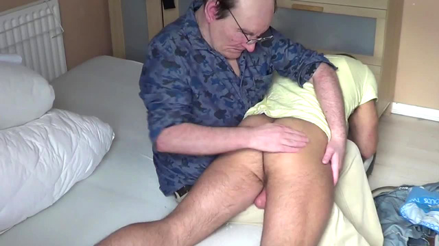 jay_straightladsspanked_05